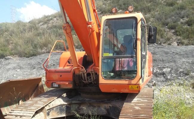 alquiler-excavadoradecadenas-05